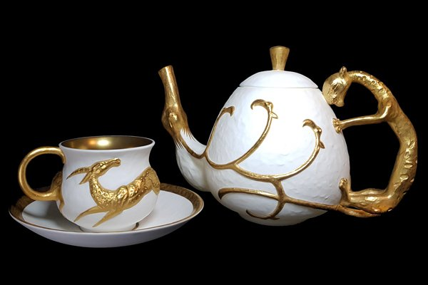 Lynton-Fine-Bone-China-Даши Намдаков фарфор скульптор эксклюзив-Made-in-England-Luxury-Dashi-gold-set
