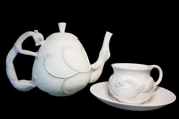 Lynton-Fine-Bone-China-Даши Намдаков фарфор скульптор эксклюзив-Made-in-England-Luxury-Dashi-white-set